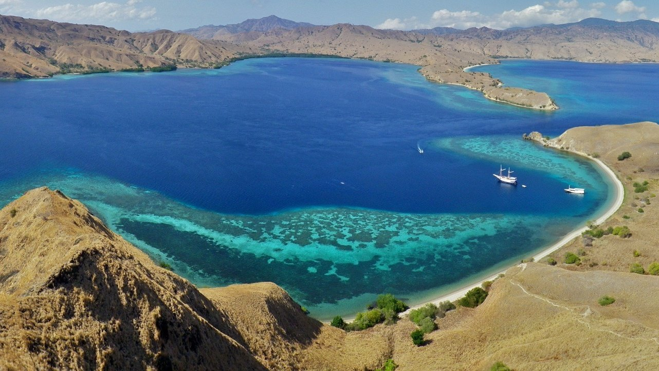 indonesia-yacht-charter
