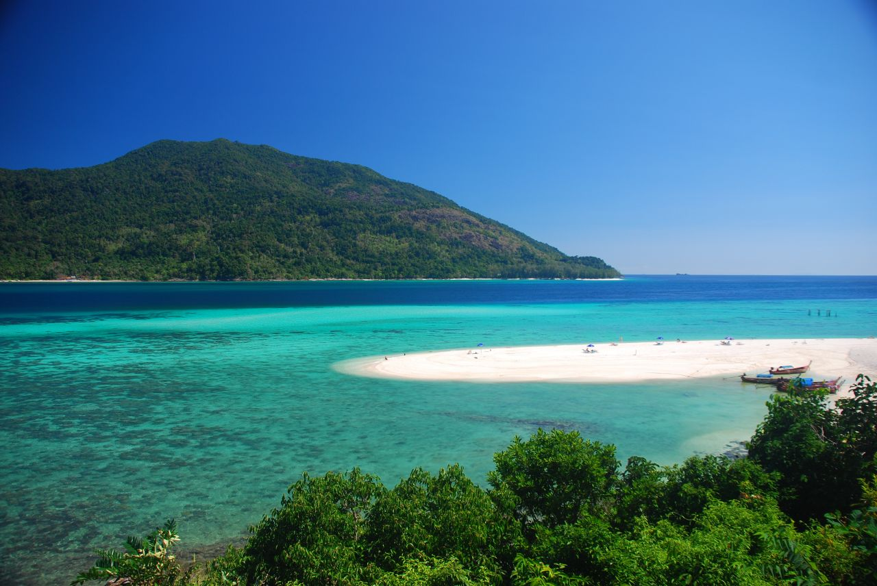malaysia-yacht-charter-itinerary-13-days-route-boat