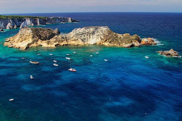 italy-yacht-charter-apulia-cretaccio-tremiti-island