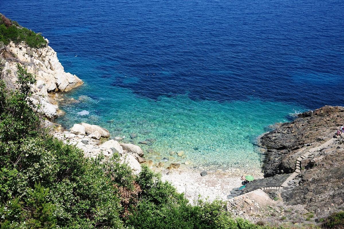 italy-yacht-charter-tuscany-elba-island
