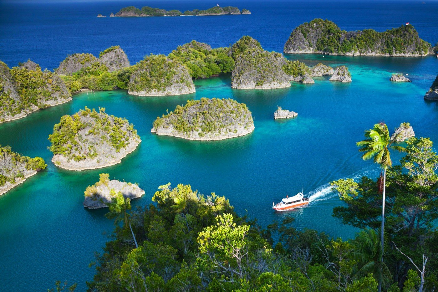 asia-yacht-charter-indonesia