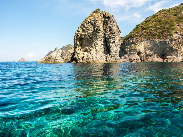 italy-yacht-charter-lazio-ponza-island