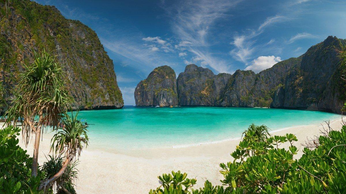 thailand-yacht-charter-koh-phi-phi-island