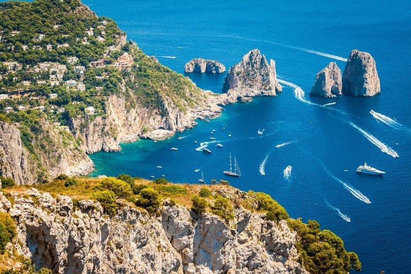 capri-yacht-charter-capri-yacht-rental-capri-boat-charter-capri-luxury-boat-capri-boat-hire-capri-boat-charter-campania-italy-itinerary-3-days--week-end-route-ischia-procida-amafi-sorrento-positano-naples-procida-ischia