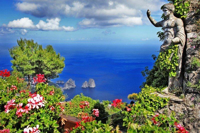 capri-yacht-charter-capri-yacht-rental-capri-boat-charter-capri-luxury-boat-capri-boat-hire-capri-boat-charter-campania-italy-itinerary-7-days-weekly-week-route-ischia-procida-amafi-sorrento-positano-naples-procida-ischia