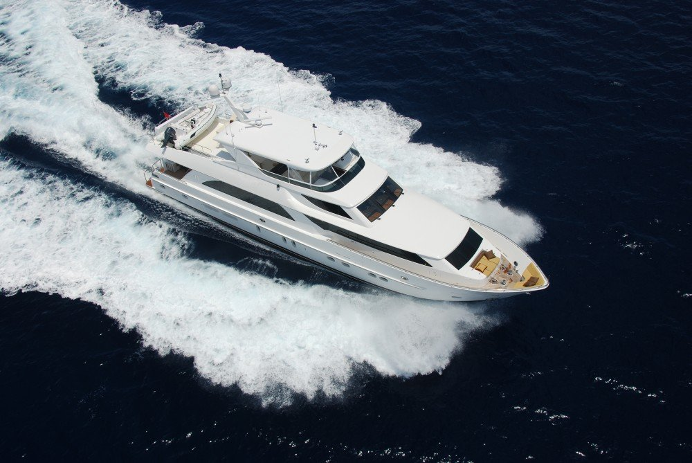 crete-yacht-charter-motor-boat