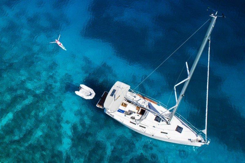 cyclades-yacht-charter-sailboat-cyclades-sailing