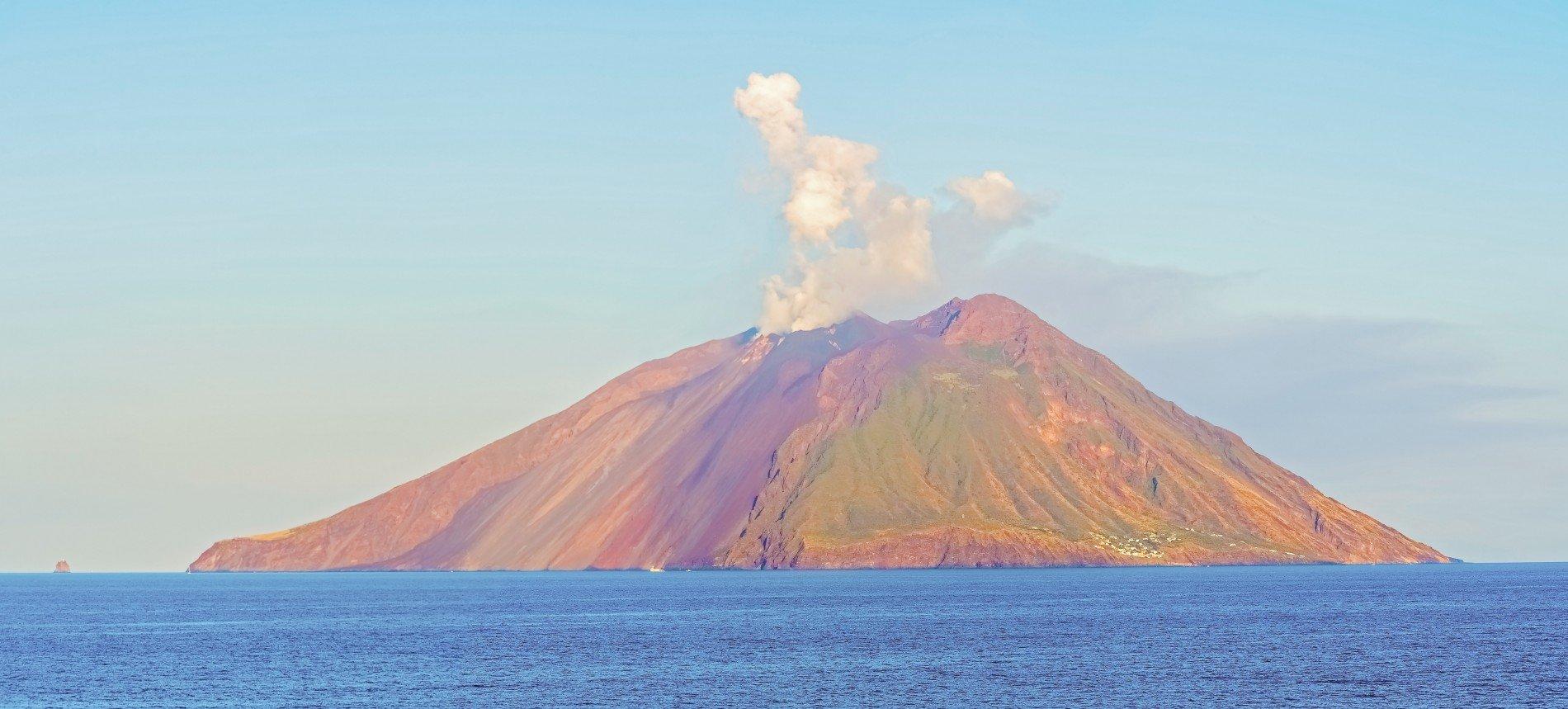 filicudi-yacht-charter-stromboli-itinerary-aeolian-islands