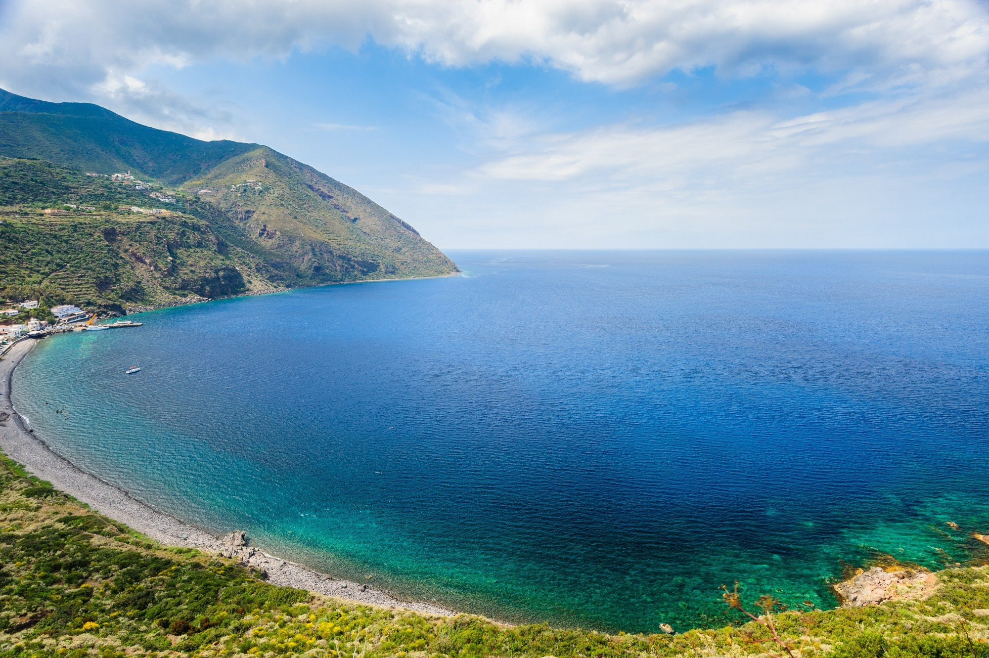 sicily-yacht-charter-aeolian-islands-itinerary-lipari-cliffs