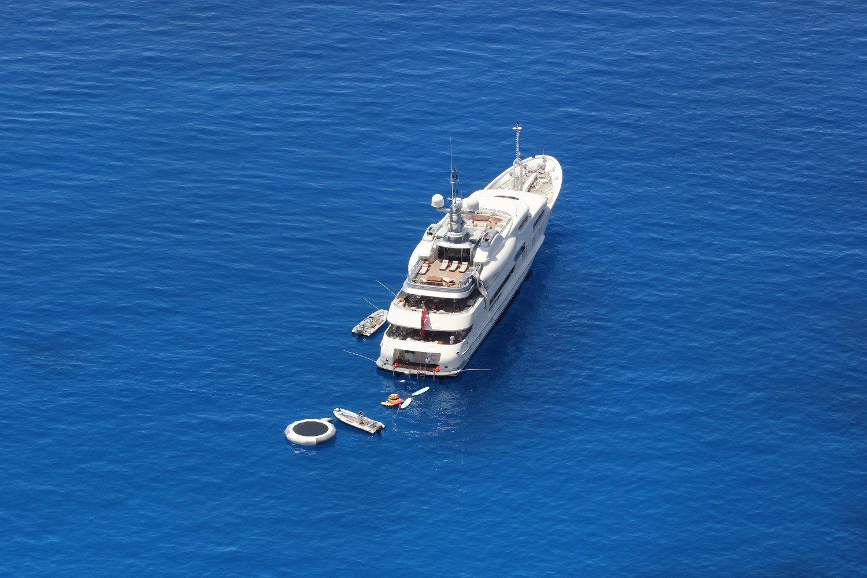 mykonos-yacht-hire-mega-yacht