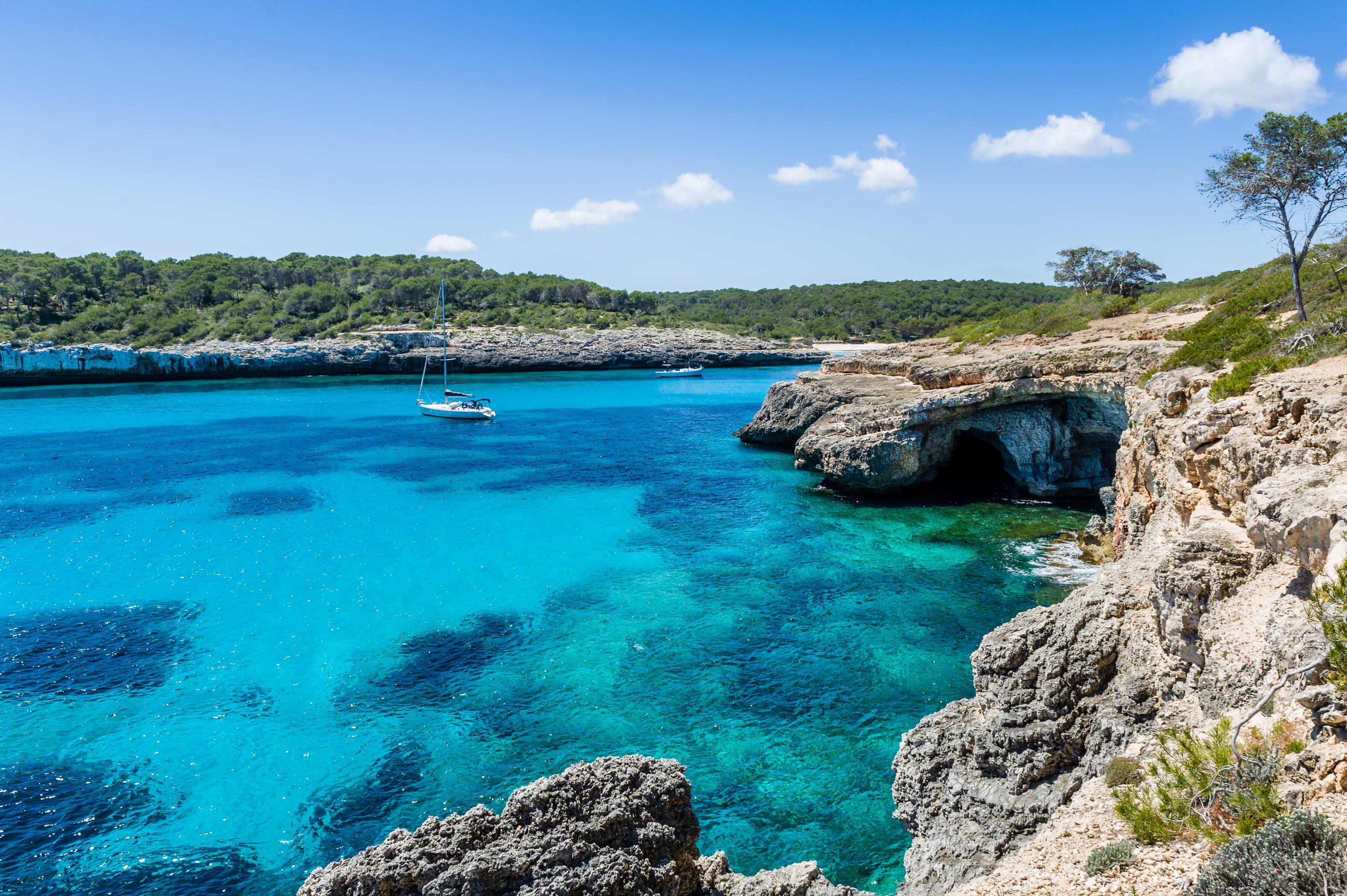 balearic-islands-yacht-charter-minorca-majorca-cabrera-sailing-itinerary-route