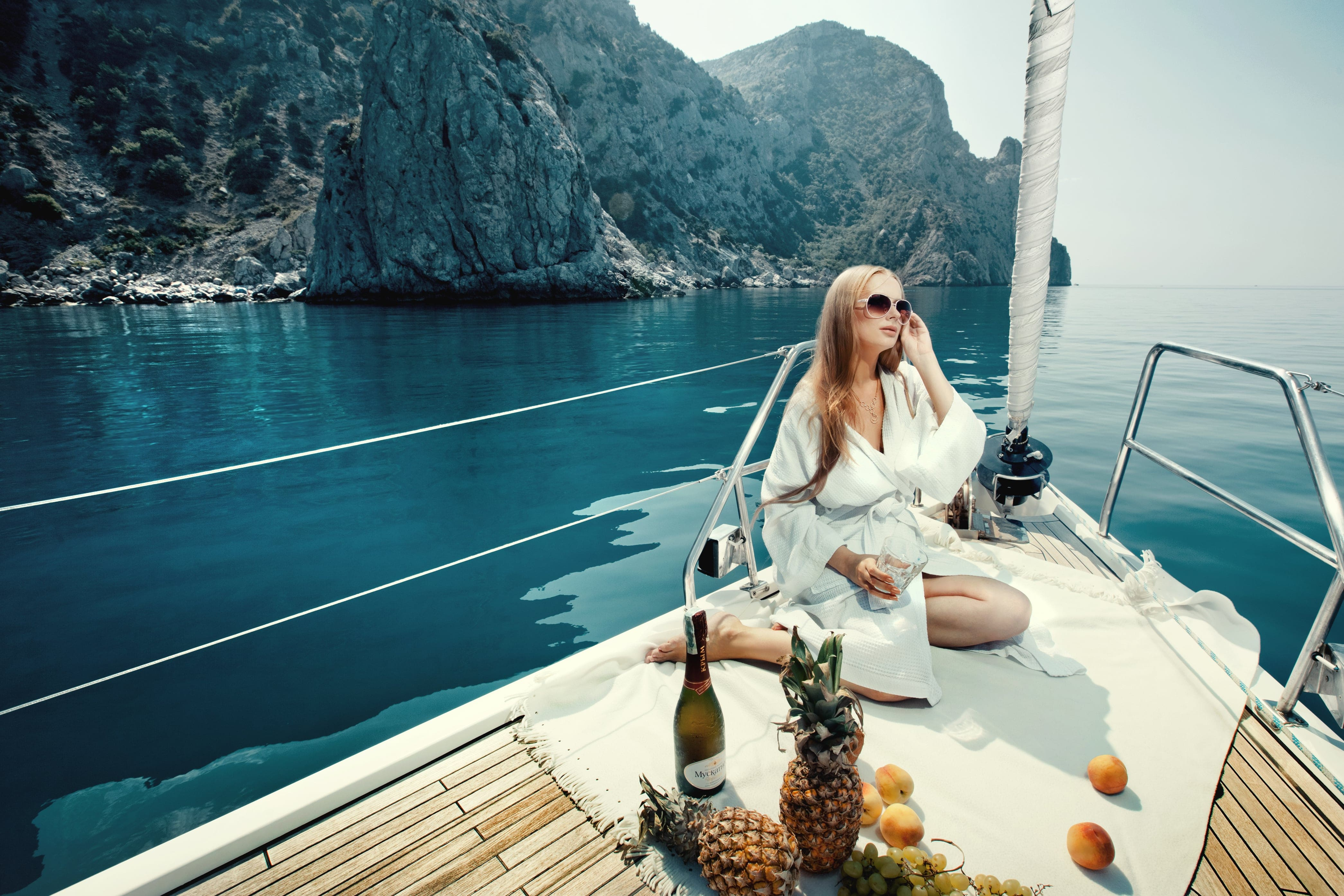turkey-and-cyprus-yacht-charter-girl-sailboat