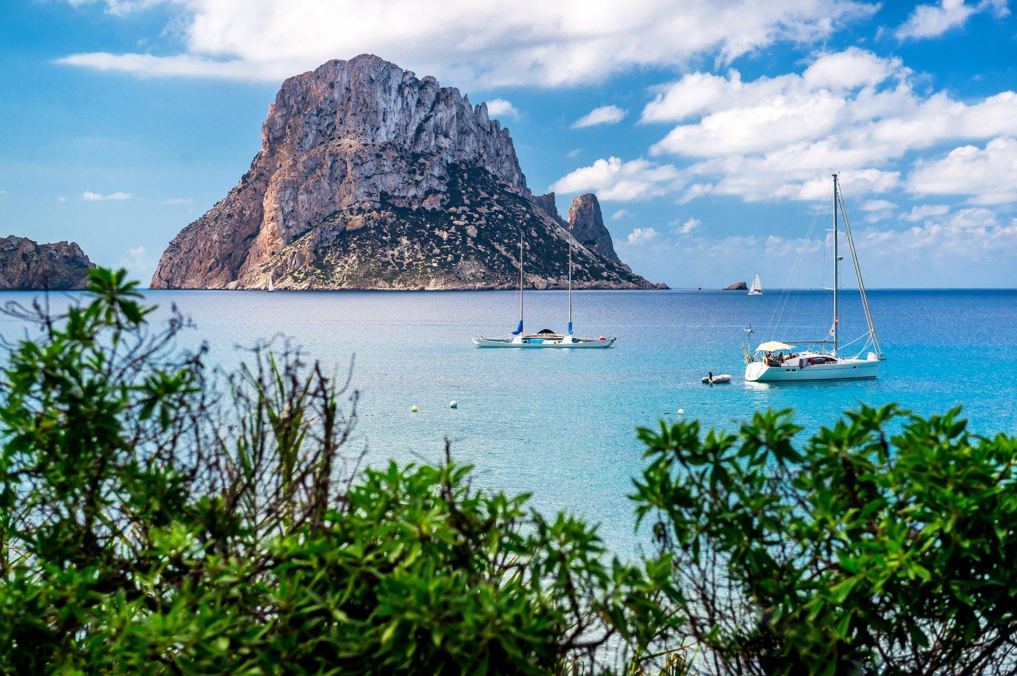 obiza-yacht-charter-baleares-balearic-islands