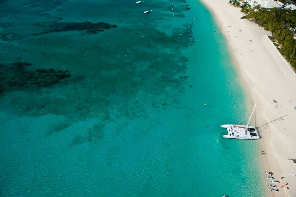 cayman-yacht-charter-cayman-yacht-rental-cayman-boat-charter-cayman-boat-rental-cayman-sailing-charter-itinerary-route-weekly-1-week-7-days