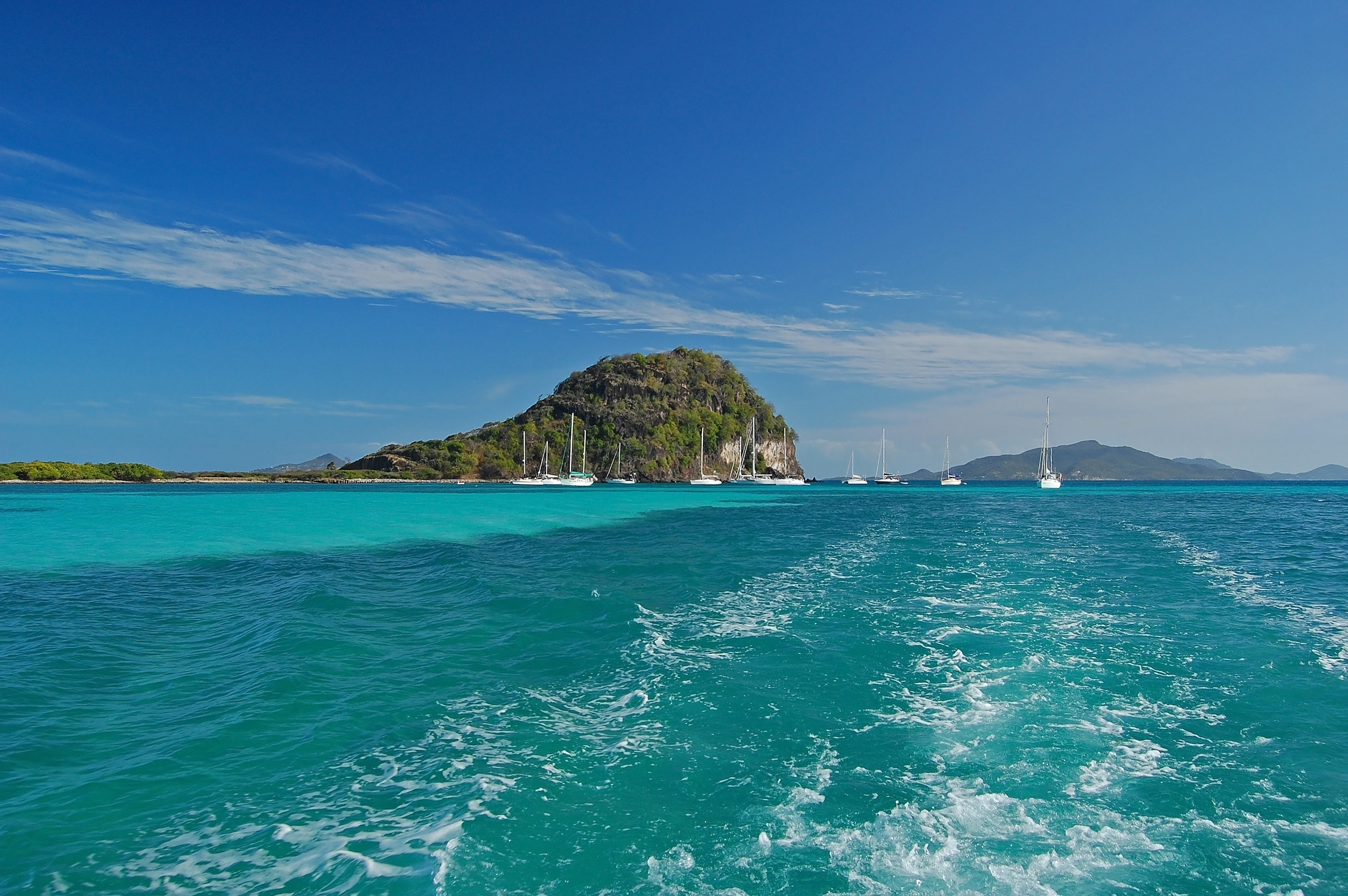 st-vincent-grenadines-yacht-charter-st-vincent-grenadines-yacht-rental-st-vincent-grenadines-boat-charter-st-vincent-grenadines-boat-rental-st-vincent-grenadines-sailing-caribbean-dream