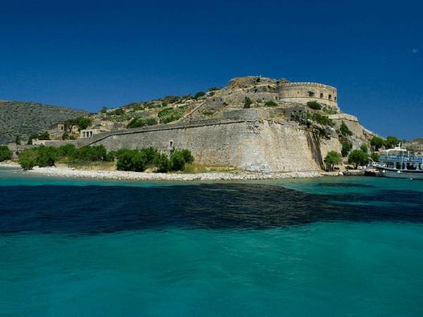 santorini-yacht-hire-crete