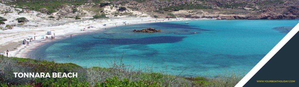 crewed-yacht-bonifacio-tonnara-beach