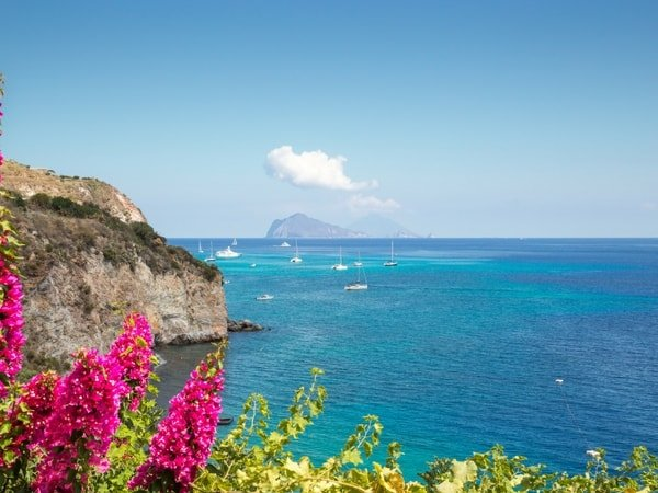 aeolian-islands-yacht-charter-aeolian-islands-yacht-rental-aeolian-islands-boat-charter-aeolian-islands-boat-rental-aeolian-islands-sailing-charter-panarea-cala-junco