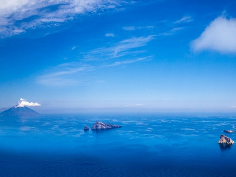aeolian-islands-yacht-charter-aeolian-islands-yacht-rental-aeolian-islands-boat-charter-aeolian-islands-boat-rental-aeolian-islands-sailing-charter-stromboli-view