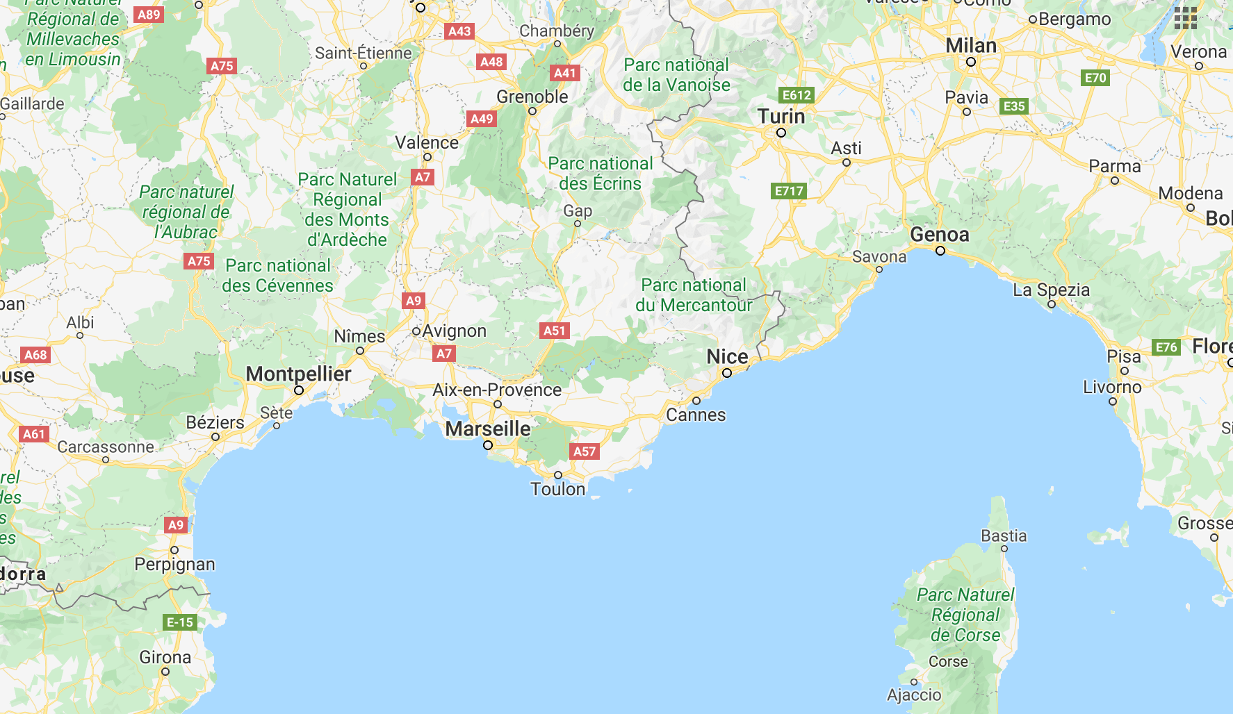 sail-in-french-riviera