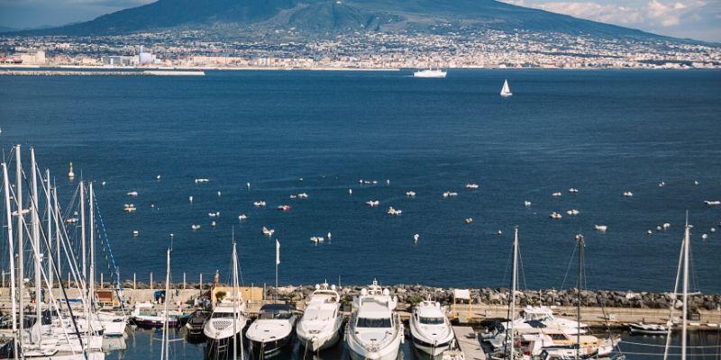 cost-yacht-charter-amalfi