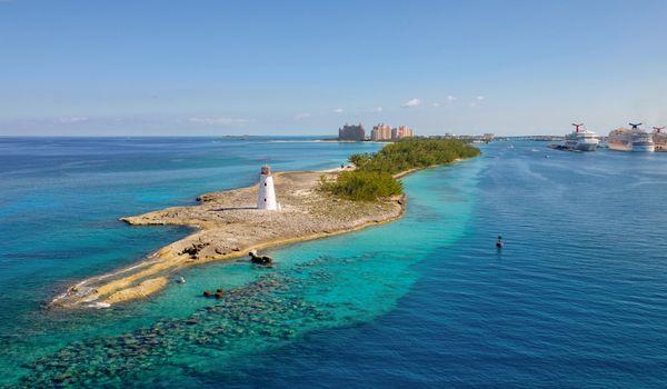 luxury-yacht-bahamas