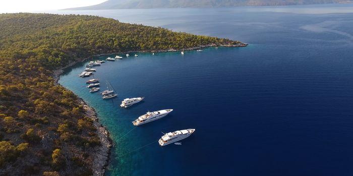 greece-yacht-charter-greece-yacht-cruise-couple-in-love