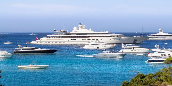 rent-yacht-in-sardinia