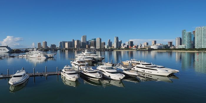 luxury-yacht-miami-miami-yachts-for-rent