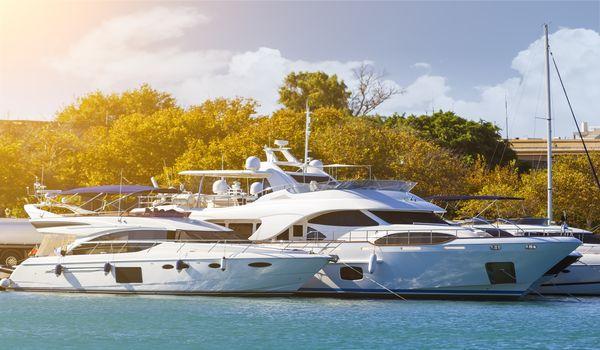 charter-power-yacht-miami