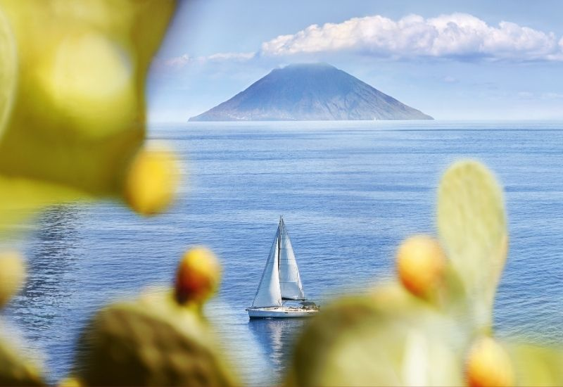 tropea-starting-point-for-boat-journey-in-the-aeolian-islands