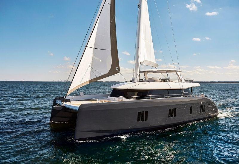 catamaran-7x-for-charter