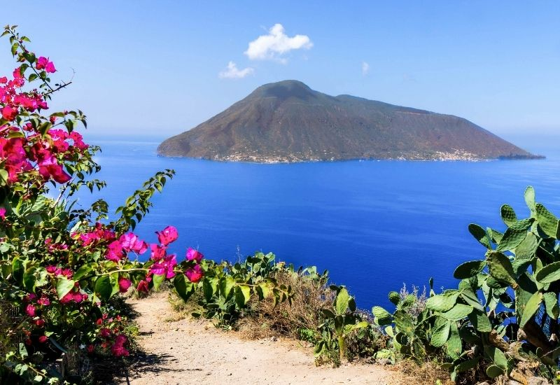 aeolian-islands-eco-friendly-sailing-vacation