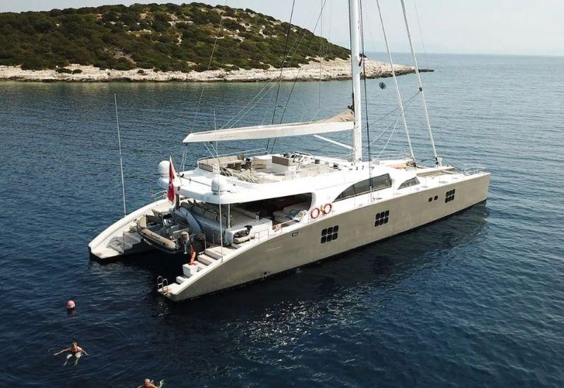 ipharra-yacht-sunreef-for-charter